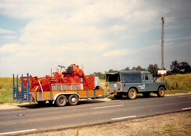 LandRover V8 and Hege 125B Combine